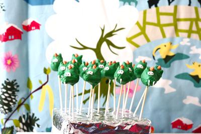 Cakepops in de vorm van een draak
