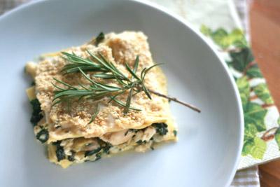 Lasagne met kip, champignons, ricotta en rozemarijn