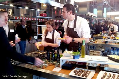 Hidde de Brabander legt uit over bakken met olijfolie