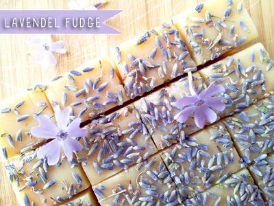 Fudge van lavendel met lavendelknopjes