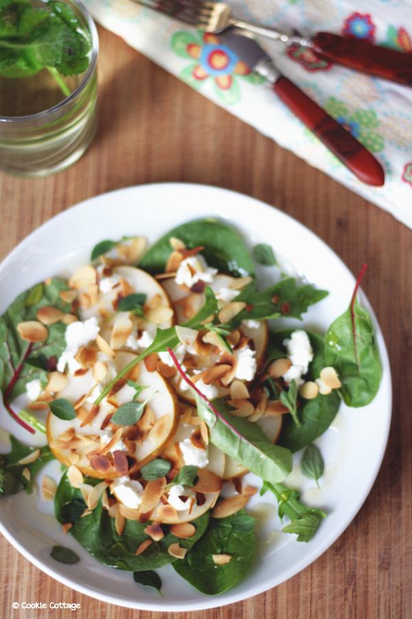 Salade met peer en geitenkaas