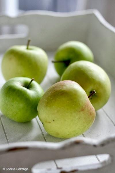 Diensblad met 5 appels