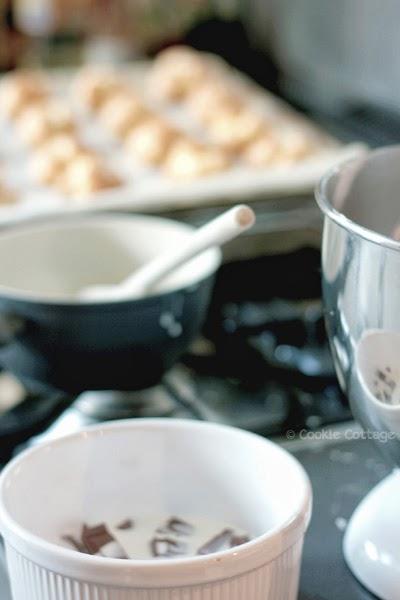 Slagroomsoejes met chocoladeganache zonder koemelk