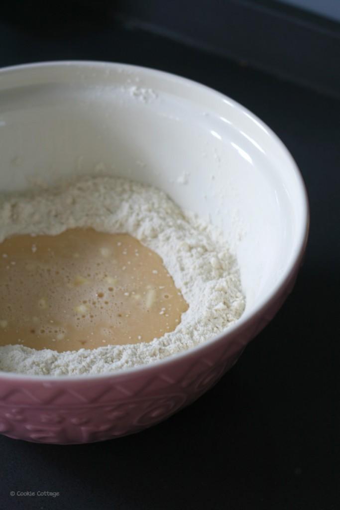 Chelsea buns rozijnenbroodjes maken