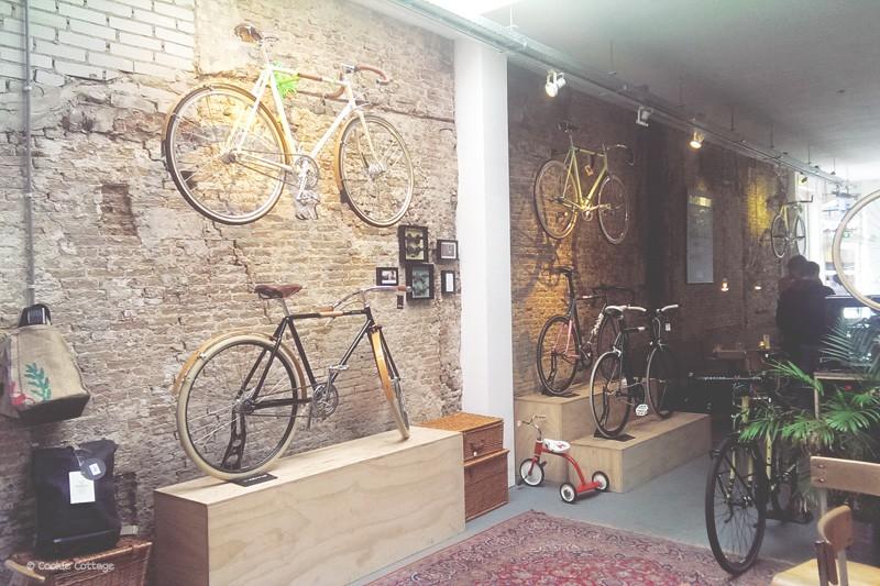 Fietsen te koop bij Bikes & Coffee in Den Haag