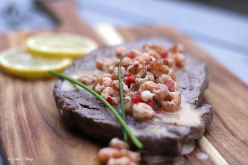 Surf & Turf – varkensentrecote met garnalen en chilisaus