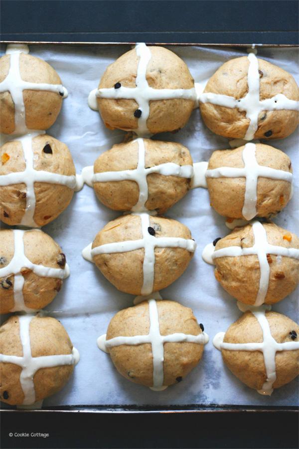Paasbrunch: recept hot cross buns