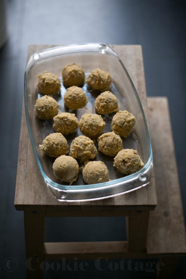 Recept voor chocolate chip cookies met witte chocolade, maanzaad en limoen